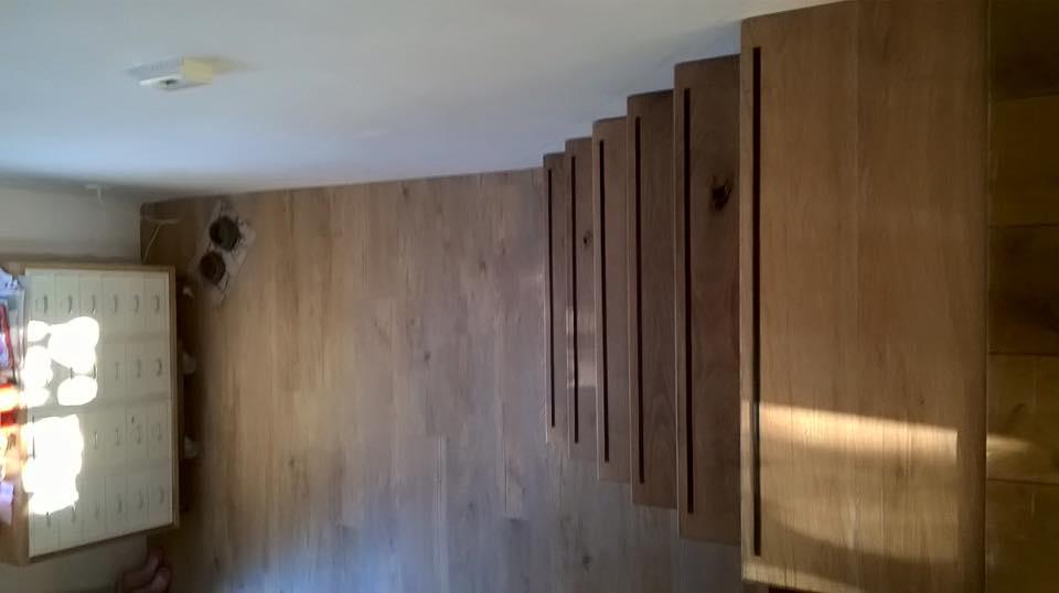 Eikenhouten trap met opbergmogelijkheden